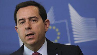 Photo of Yunanistan, AB'nin Türkiye'ye verdiği göç taahhütlerine uyması gerektiğini söyledi